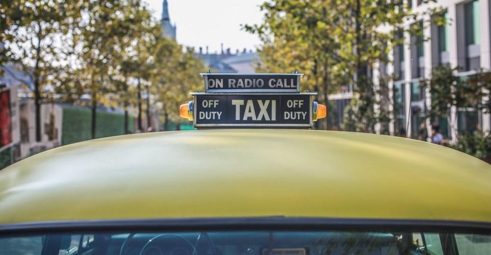 11 ερωτήσεις που όλοι θέλουμε να κάνουμε σε έναν οδηγό ταξί