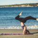 Τρεις στάσεις της yoga με τις οποίες θα νιώσεις σαν να έχεις μόλις κάνει μασάζ