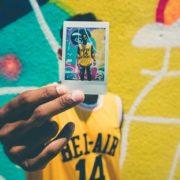 Πώς να αντισταθείς στην κουλτούρα των selfies