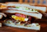 Σάντουιτς με κοτόπουλο και pesto σε focaccia για το lunch break