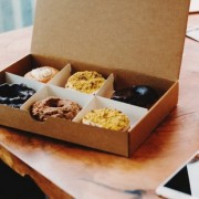 Διατροφικές παγίδες στη δουλειά και πώς να τις αποφύγεις