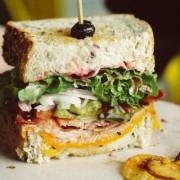 Αυτό είναι το ιδανικό σάντουιτς για εσένα με βάση το ζώδιο σου