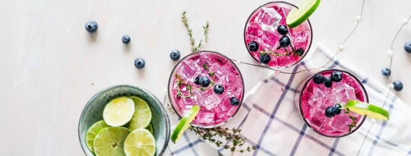 5 cocktails που μπορείς να προσποιηθείς ότι είναι υγιεινά