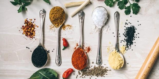 Τα 12 μπαχαρικά που πρέπει έχεις στην κουζίνα σου