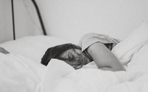 Συμβουλές που πρέπει να ακολουθήσεις για έναν καλύτερο ύπνο