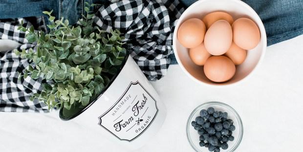 Το κόλπο για να καταλάβεις αν τα αυγά εκεί πίσω στο ψυγείο σου έχουν λήξει