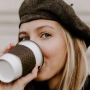 4 DIY beauty hacks με βάση τον καφέ