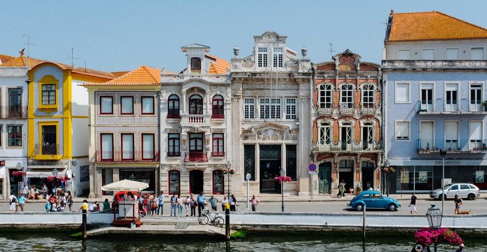 Οι ιδανικές χώρες στην Ευρώπη για να ταξιδέψεις μόνη