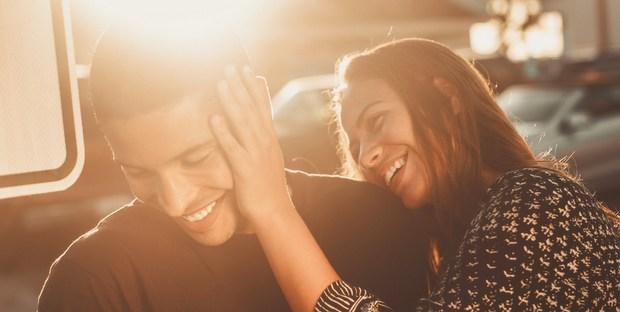 Γιατί το να επικεντρώνεσαι στο τι είναι άδικο δε θα οδηγήσει πουθενά τη σχέση σου