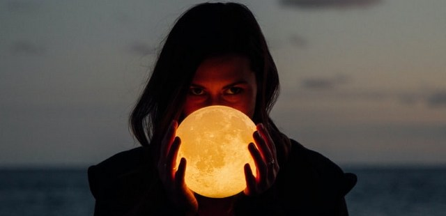 3 βασικά σημεία για να ερμηνεύεις μόνη τον αστρολογικό σου χάρτη