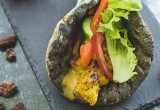 Σουβλάκι με πίτα volcano