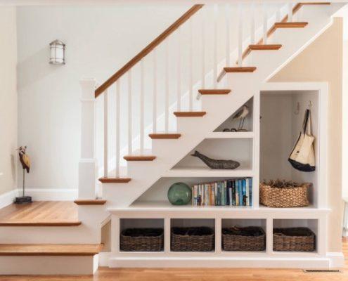 8 δημιουργικοί τρόποι να εκμεταλλευτείς τον χώρο κάτω από τη σκάλα στο σπίτι σου