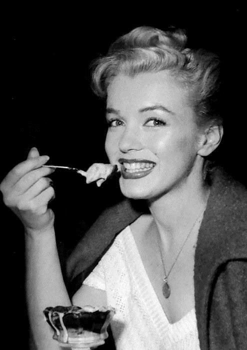 prety girls eat 12