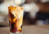 Proffee: Τελικά ο πρωτεϊνικός καφές του TikTok είναι καλός για σένα;