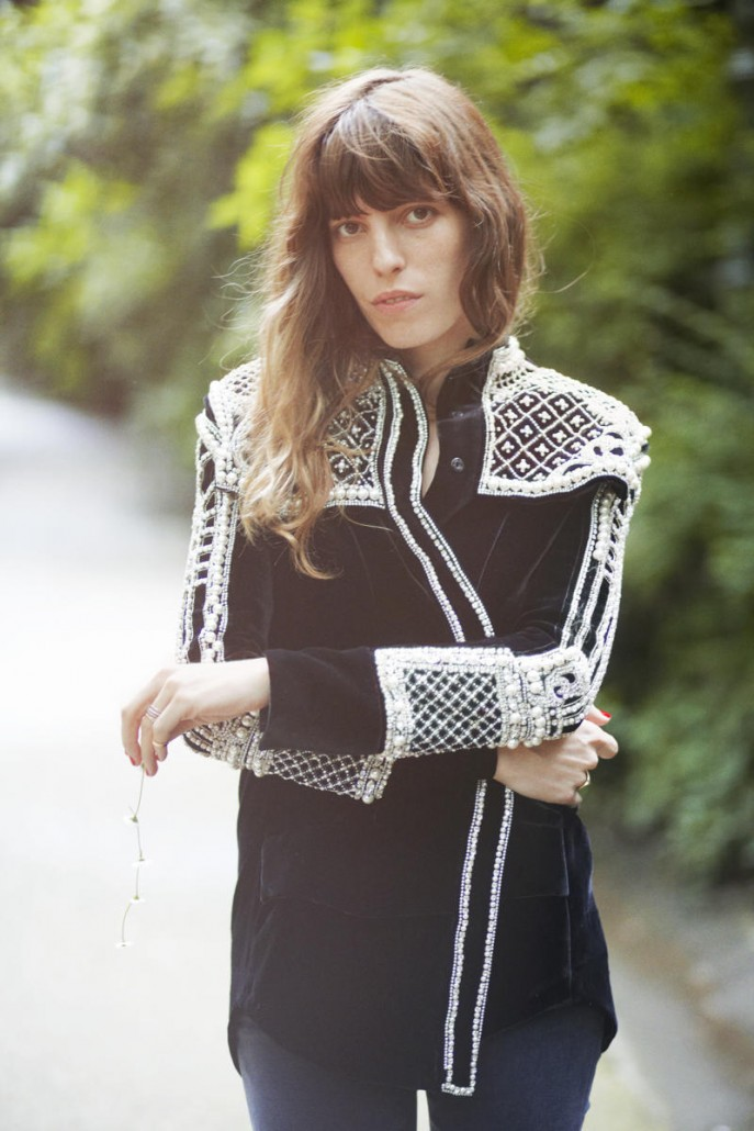 projects%2f1431004872-purple-magazine-lou-doillon%2fpurple_lou-doillon%2fpurple_lou_doillon_editorial_olarindal_2012_03