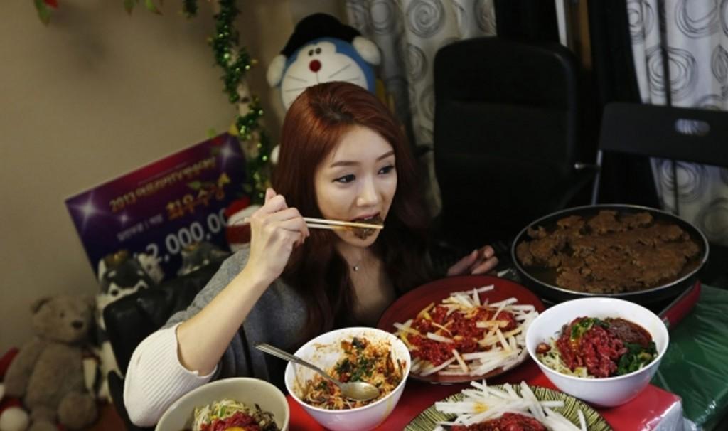 Πως να γινεις celebrity… τρωγοντας