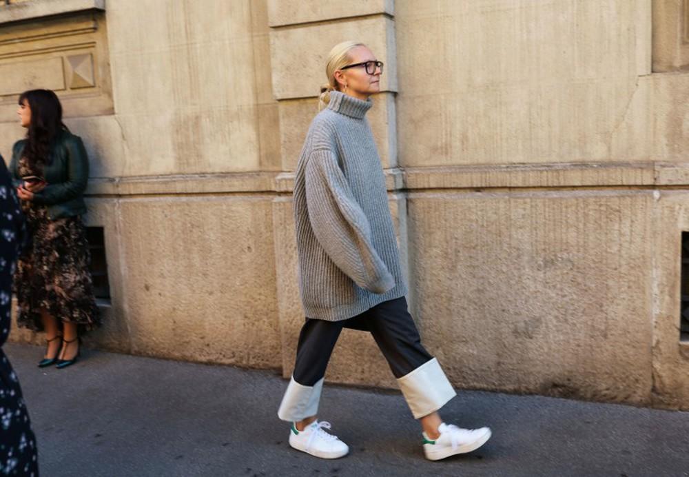 Πώς να συνδυάσεις τα sneakers σου φέτος τον χειμώνα