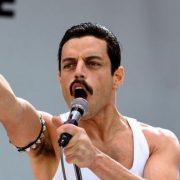 Αρχίζουμε να τρομάζουμε με την ομοιότητα του Rami Malek με τον Freddie Mercury