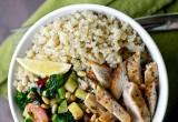 Θα φάμε yummy κινόα με λαχανικά και κοτόπουλο