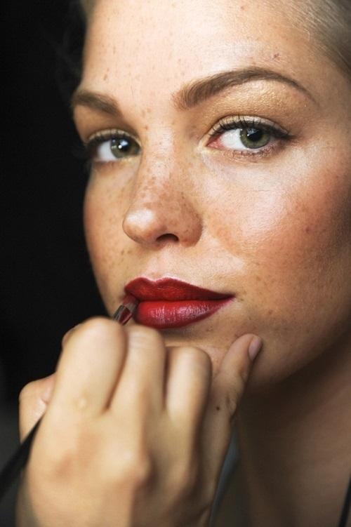 red lipstick 4-savoir ville