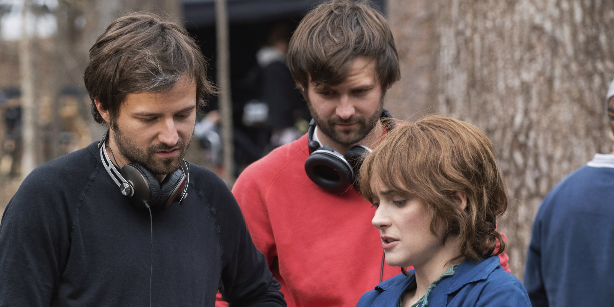 ross-and-matt-duffer-on-the-set-of-stranger-things-with-winona-ryder