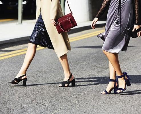 Πώς να φορέσεις τα ψηλά σου παπούτσια χωρίς να καταστρέψεις τα πόδια σου