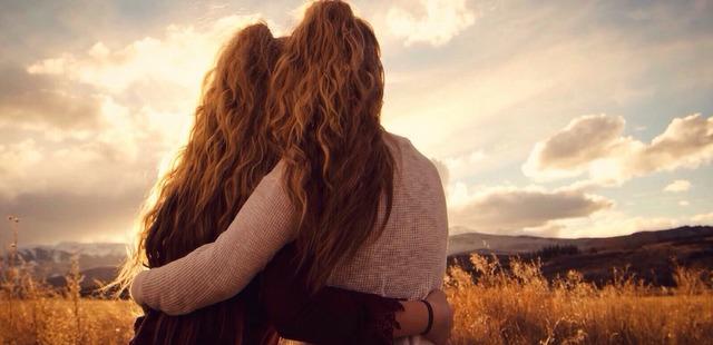 Πώς μπορείς να υποστηρίξεις έναν φίλο σου που πενθεί