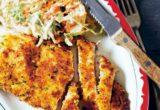 Πώς να φτιάξεις χοιρινό σνίτσελ σερβιρισμένο με coleslaw