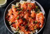 Πώς θα φτιάξεις sushi rice με μαριναρισμένο σολομό
