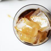 Πώς να φτιάξεις κρύο καφέ στο σπίτι σαν έμπειρος barista