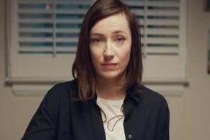 To Spotify εχει ολα τα τραγουδια που συνοδευουν το οικογενειακο awkwardness