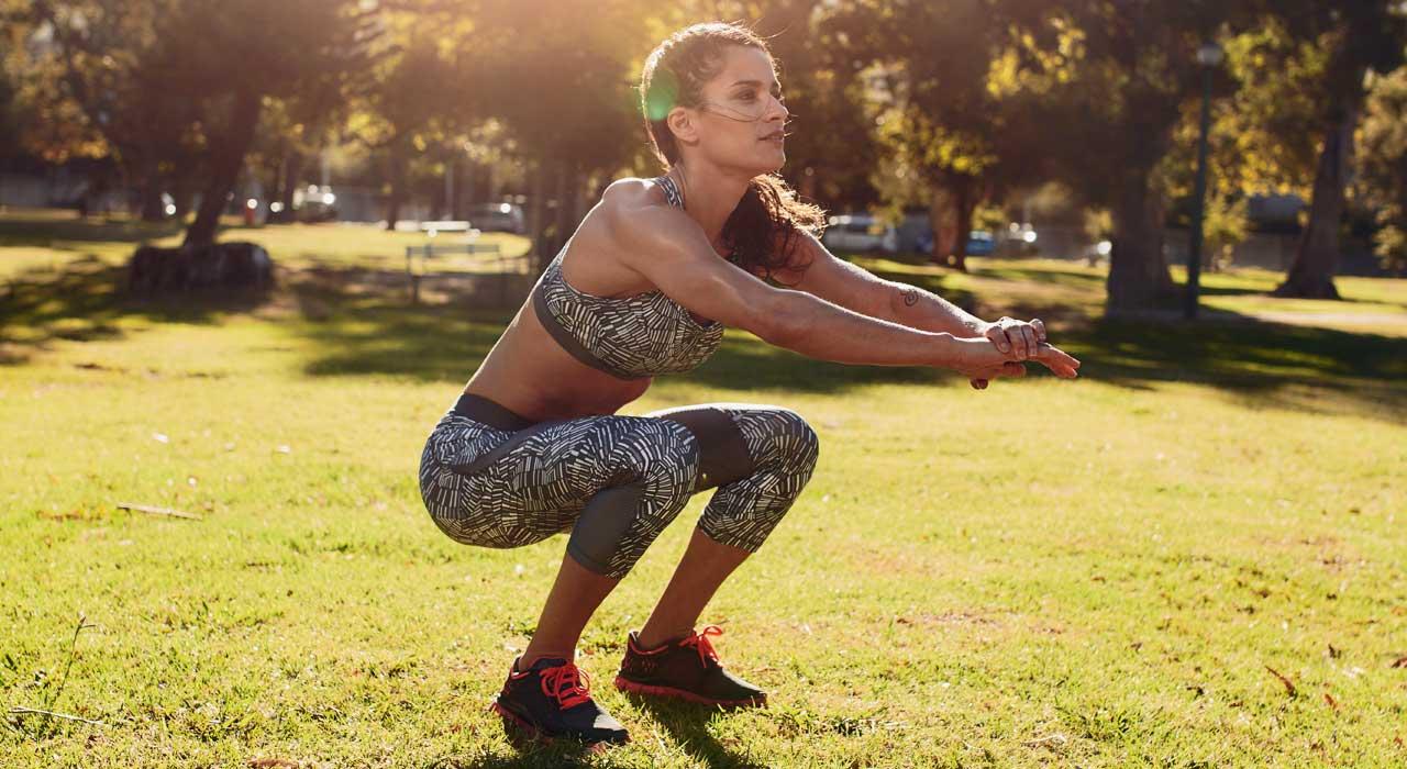 Μάθε ποιος είναι ο σωστός τρόπος να κάνεις squats!