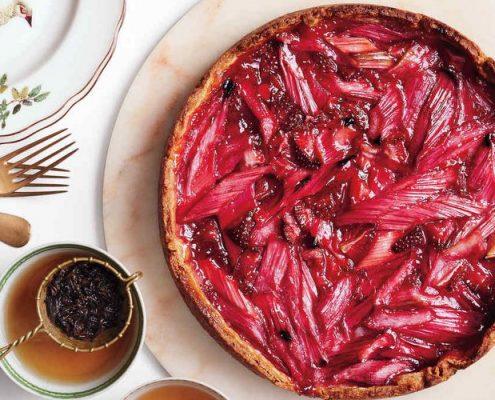 4 συνταγές που θα κάνουν το rhubarb το αγαπημένο σου υλικό μαγειρικής