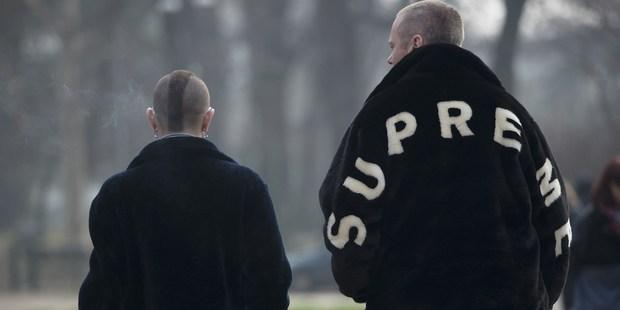 Το faux fur jacket που εξαντλήθηκε μέσα σε 5 δευτερόλεπτα