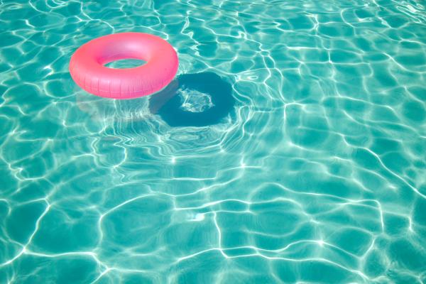 swimmingpoolring (Medium)