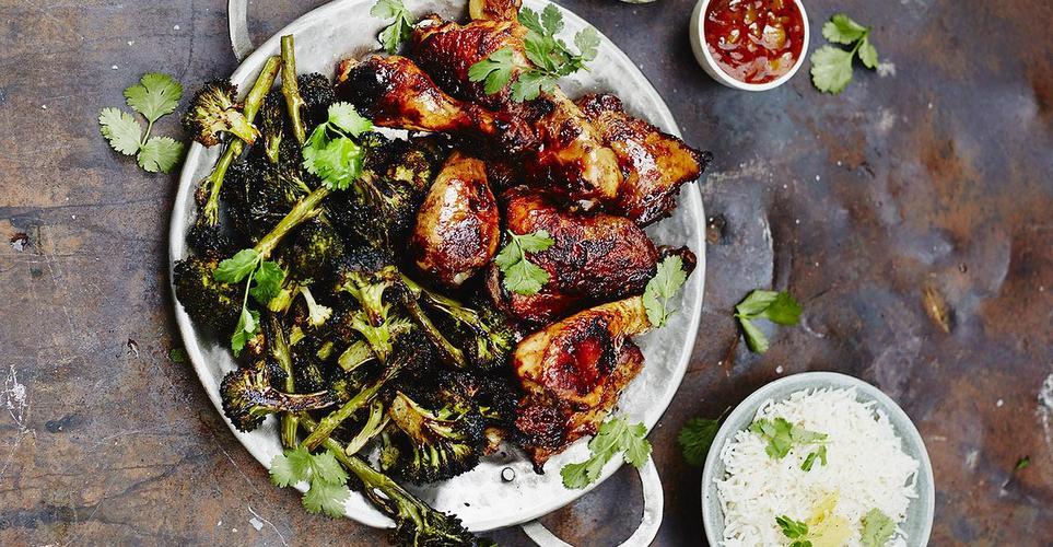 Κοτόπουλο tandoori με σπιτικά πιτάκια