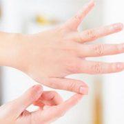 Tapping είναι η μέθοδος που υπόσχεται να σε απαλλάξει από το στρες και να σου δώσει ενέργεια