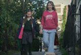 Το 'The Duchess΄ του Netflix είναι ένα οδηγός επιβίωσης για τις single μαμάδες εκεί έξω