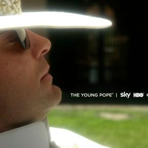 Ο Sorrentino δοκιμαζει την μικρη οθονη με το The Young Pope Savoir Ville