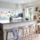 4 εύκολα tips για να ανανεώσεις την total white κουζίνα σου