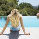 Πώς θα προστατεύσεις τα μαλλιά σου από το χλώριο το καλοκαίρι