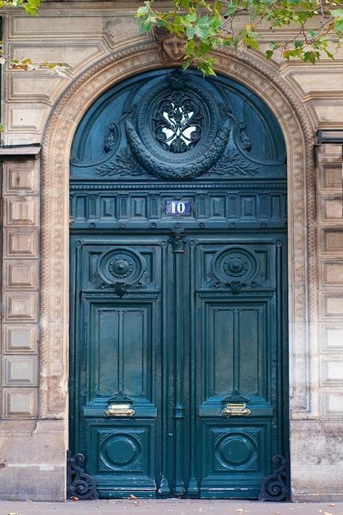 Σαν περάσεις την πόρτα αυτή όλα θα έχουν αλλάξει Savoir Ville