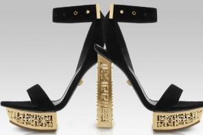 Η συλλογη #Greek του οικου Versace