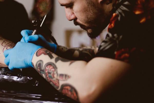 Οι tattoo artists για τους οποιους αξιζει να ταξιδεψεις