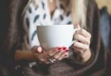 Συντάκτρια σπάει το δίλημμα: καφές ή τσάι;