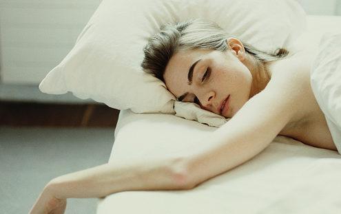 8 πιθανά λάθη που κάνεις και χαλάνε τον ύπνο σου