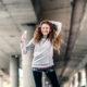 Αυτό το 15λεπτο χορευτικό γυμνάζει τους κοιλιακούς σου καλύτερα και από το plank