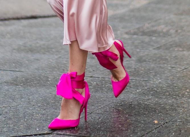 zodiac_shoes_leo_bow-small