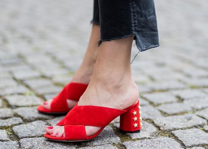 zodiac_shoes_libra_red-small